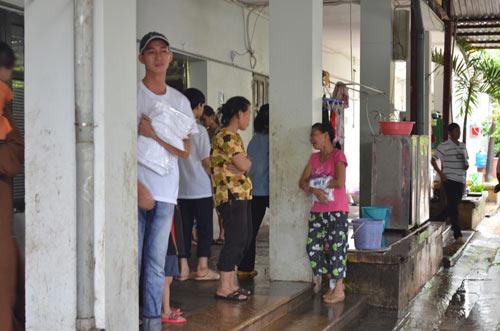 Tiếp tục đưa 12 trẻ, người già chùa Bồ Đề về nơi ở mới - 8