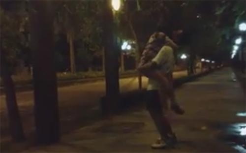 Con gái Thanh Lam khoe clip hôn bạn trai kiểu Hàn - 2