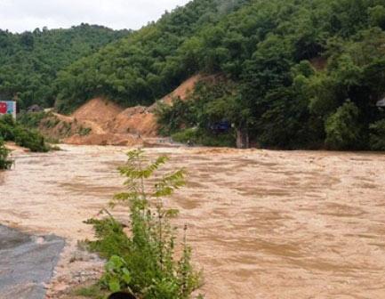 Thanh Hóa: Hơn 5.000 hộ dân bị cô lập do mưa lũ - 1