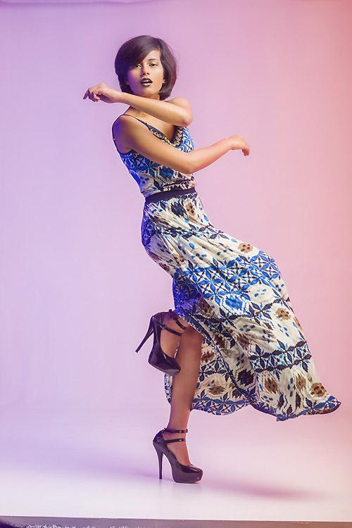 Thiếu nữ Ấn Độ nổi tiếng thế giới nhờ mặc đẹp - 15