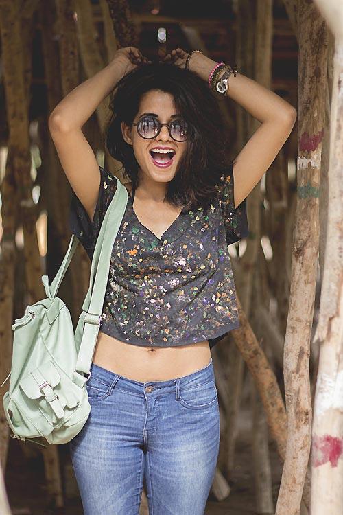 Thiếu nữ Ấn Độ nổi tiếng thế giới nhờ mặc đẹp - 16