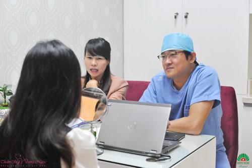 Nâng ngực nội soi an toàn với bác sĩ Hàn Quốc - 3