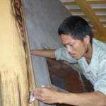 """Cẩm nang tìm việc - """"Nghệ nhân"""" nông dân """"biến"""" bê tông thành... gỗ"""