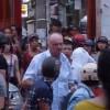 Phạt ông Tây quỵt tiền taxi, đánh người trên phố