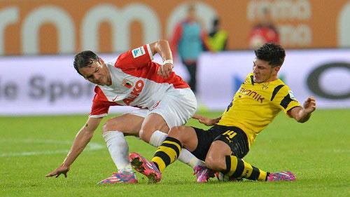 Augsburg - Dortmund: Sợ hãi phút cuối - 1