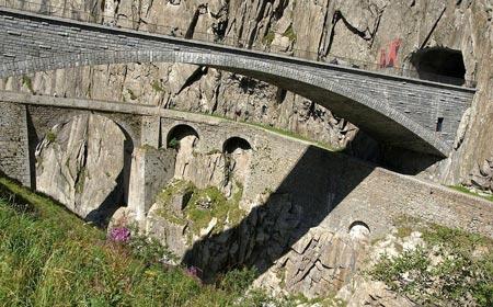 """Khám phá """"cây cầu của quỷ"""" ở Thụy Sĩ - 6"""