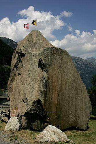 """Khám phá """"cây cầu của quỷ"""" ở Thụy Sĩ - 9"""