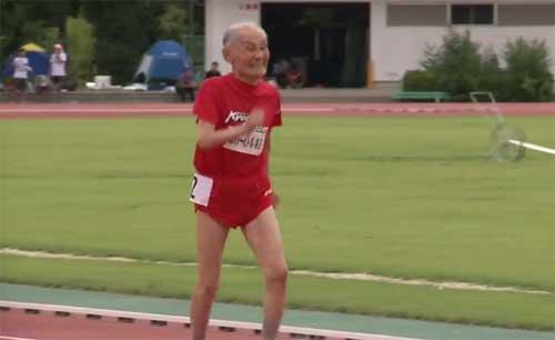 """Usain Bolt 103 tuổi của Nhật Bản thách thức """"Tia chớp"""" - 1"""