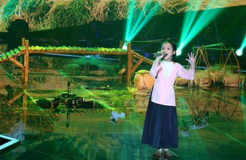 The Voice Kids sập sân khấu khiến thí sinh, HLV hoang mang | ngôi sao 24h
