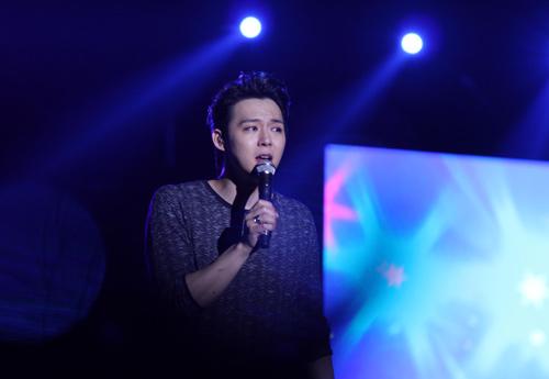 """Yoochun nói tiếng Việt """"chuẩn"""", diễn sung dưới mưa cùng JYJ - 11"""