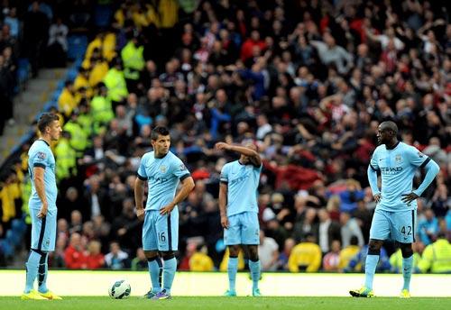 Man City mất oan 2 quả phạt đền - 1