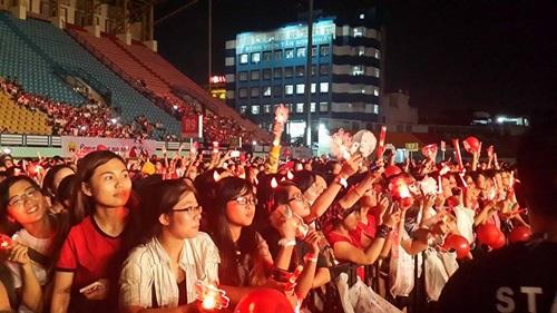 """Yoochun nói tiếng Việt """"chuẩn"""", diễn sung dưới mưa cùng JYJ - 2"""