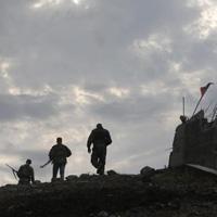 Kiev: Xe tăng Nga san phẳng thị trấn biên giới Ukraine | videohai