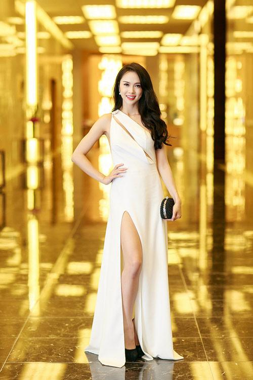 Ngọc Anh, Trương Tùng Lan đọ váy xẻ gợi cảm - 9