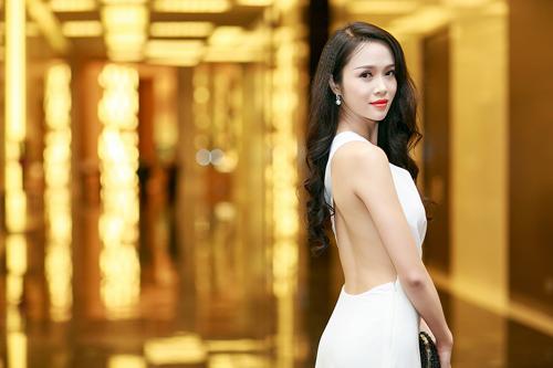 Ngọc Anh, Trương Tùng Lan đọ váy xẻ gợi cảm - 8