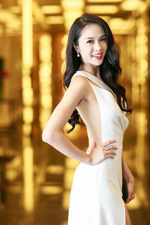 Ngọc Anh, Trương Tùng Lan đọ váy xẻ gợi cảm - 7