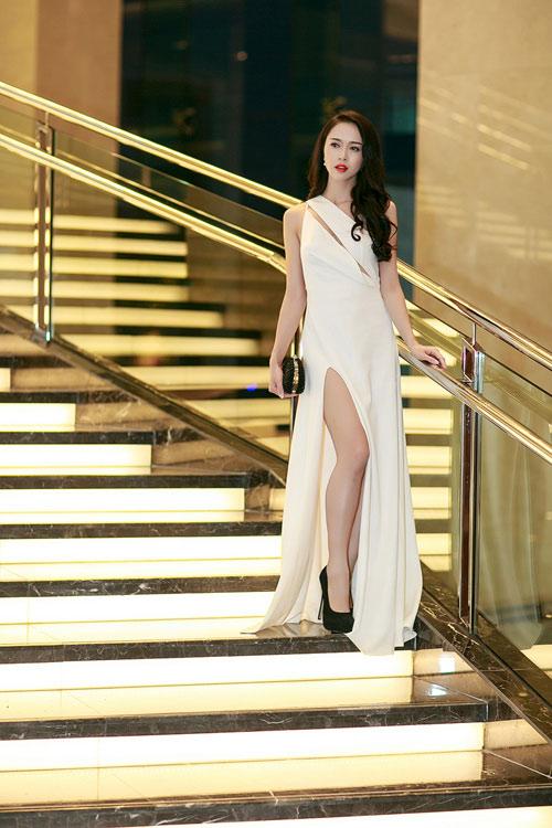 Ngọc Anh, Trương Tùng Lan đọ váy xẻ gợi cảm - 6