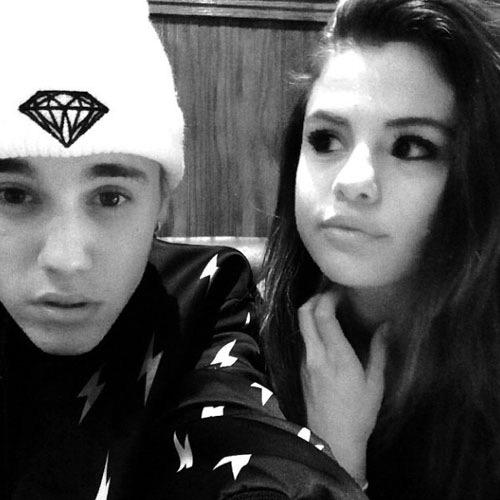 Selena và Justin lại khoe ảnh tình tứ - 9