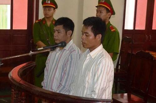 Vụ sát hại 5 phu trầm: Hai kẻ thủ ác xin giảm án - 1