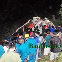 Trắng đêm cứu nạn nhân vụ tai nạn thảm khốc ở Lào Cai