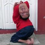 Phi thường - kỳ quặc - Người đàn ông có đầu lộn ngược đáng khâm phục