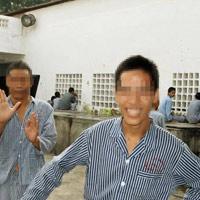 Trầm cảm nặng, nam thanh niên vào nhà vệ sinh trú ẩn
