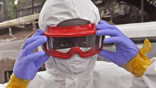 Thế giới đang thua trong trận chiến với Ebola - 1