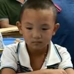 Tin tức trong ngày - TQ: Cậu bé bị móc mắt trở lại trường học