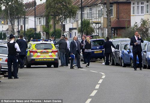London: Kẻ cuồng sát chặt đầu cụ bà 82 tuổi - 3