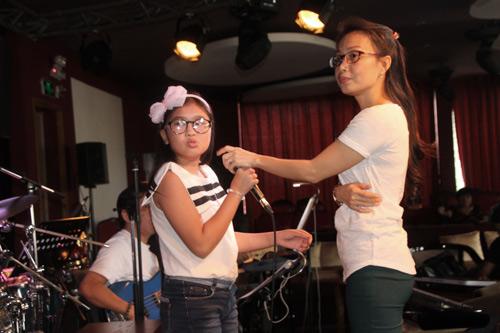 """Cẩm Ly dốc sức tập luyện cho """"cô bé nhà nông"""" - 2"""
