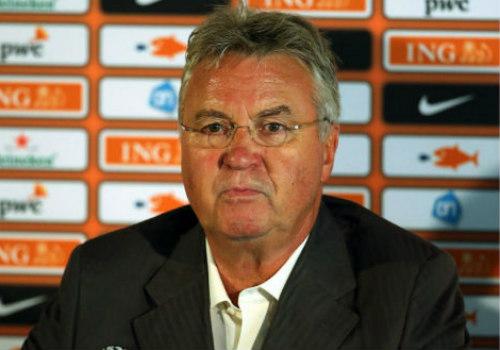 """Thua dễ Italia, Hiddink chê hàng thủ Hà Lan """"ngây thơ"""" - 2"""