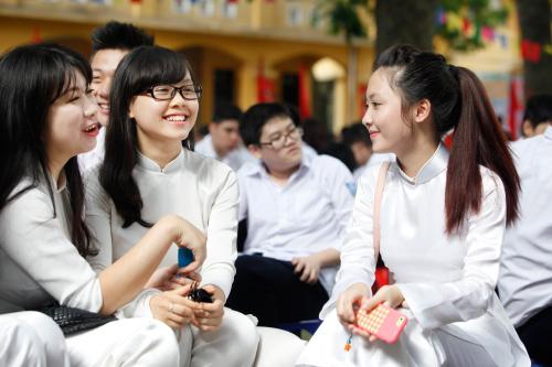 Nữ sinh Hà Nội rạng rỡ ngày tựu trường - 17