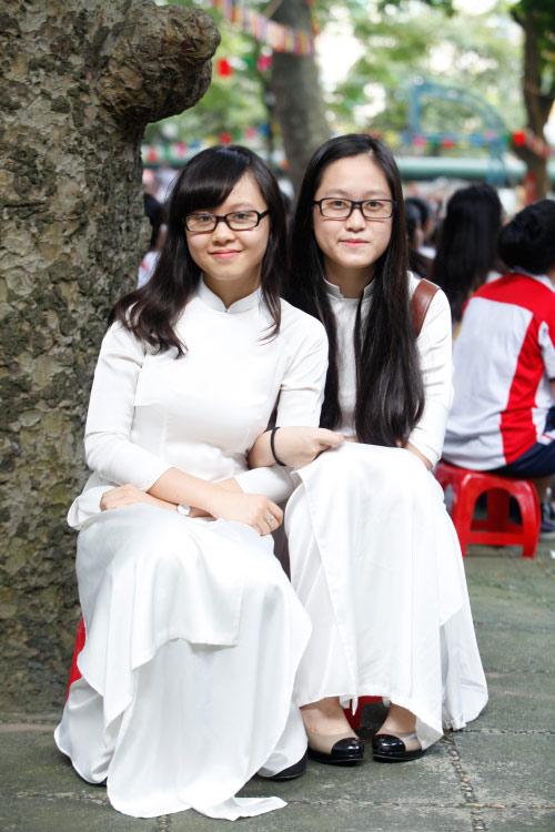 Nữ sinh Hà Nội rạng rỡ ngày tựu trường - 13