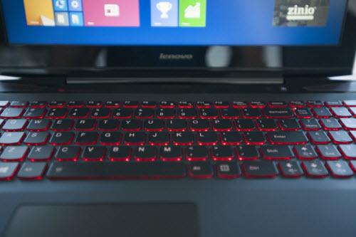 Đánh giá laptop chơi game Lenovo Y50 - 3