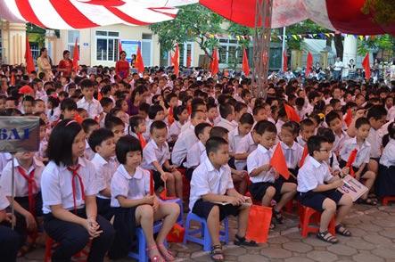 Xúc động lễ khai giảng của học sinh khiếm thị Hà Nội - 2