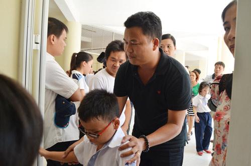 Xúc động lễ khai giảng của học sinh khiếm thị Hà Nội - 11