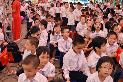 Xúc động lễ khai giảng của học sinh khiếm thị Hà Nội - 1