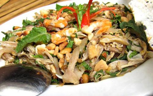 Đậm đà bắp chuối trộn tai heo xứ Quảng - 2
