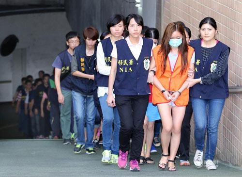 """Đài Loan: Phá ổ mại dâm toàn """"mỹ nhân"""" nước ngoài - 2"""