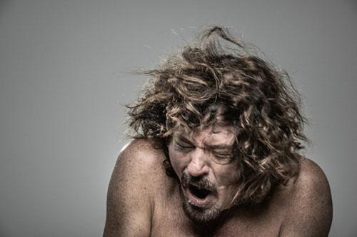 Kỳ quặc: Bộ ảnh phản ứng con người khi bị... điện giật - 3