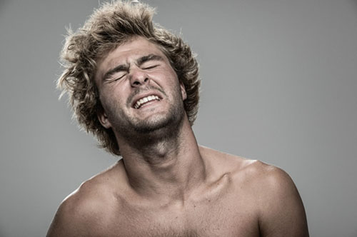 Kỳ quặc: Bộ ảnh phản ứng con người khi bị... điện giật - 7