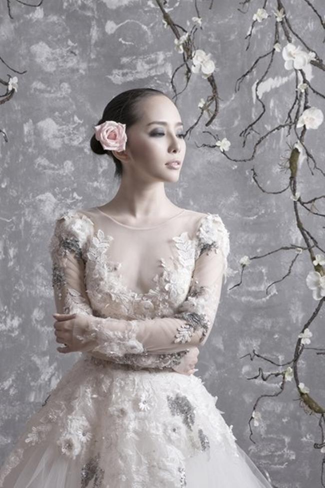 Chính vì vậy những hình ảnh của Quỳnh Nga trong trang phục cưới càng khiến nhiều người tò mò. Cho đến nay nữ diễn viên vẫn chưa đăng tải ảnh cưới chính thức của mình.