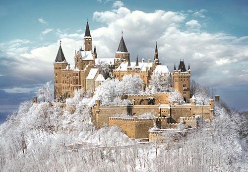 Thăm lâu đài tráng lệ giữa biển mây ở Đức - 5