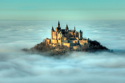 Thăm lâu đài tráng lệ giữa biển mây ở Đức - 8