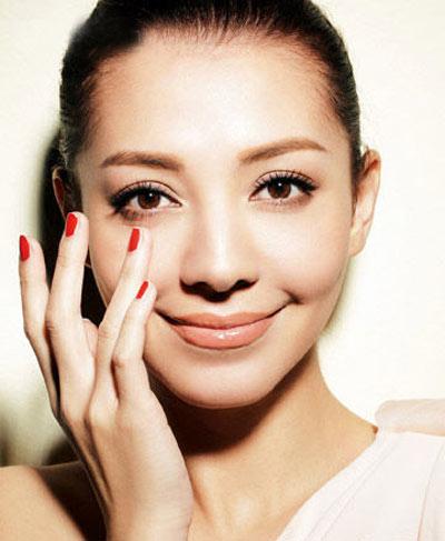 Cưng chiều vùng da khó tính quanh mắt - 2