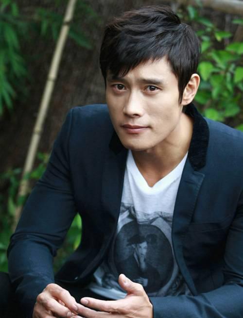 Lee Byung Hun lên tiếng về scandal kể chuyện khiêu dâm - 1