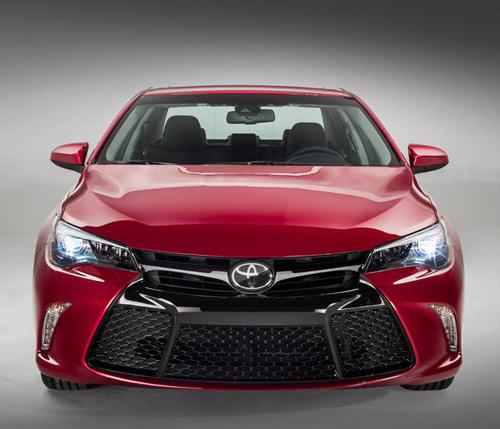 Toyota Camry 2015 chính thức có giá bán - 3