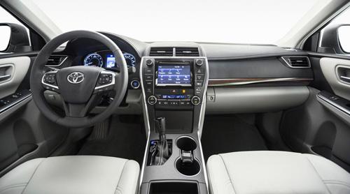 Toyota Camry 2015 chính thức có giá bán - 4
