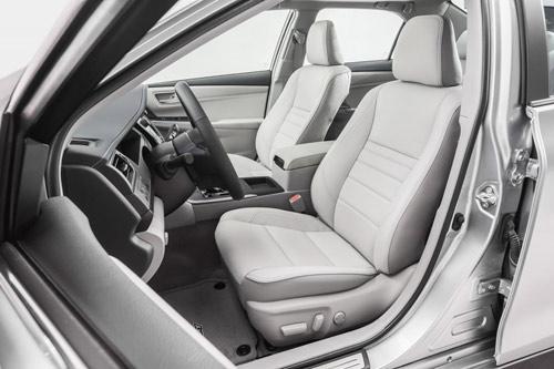 Toyota Camry 2015 chính thức có giá bán - 6