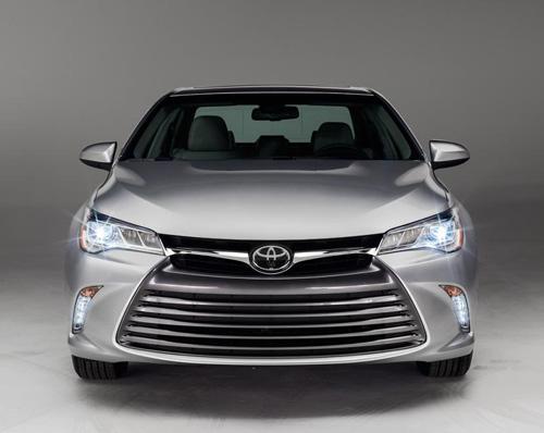 Toyota Camry 2015 chính thức có giá bán - 7